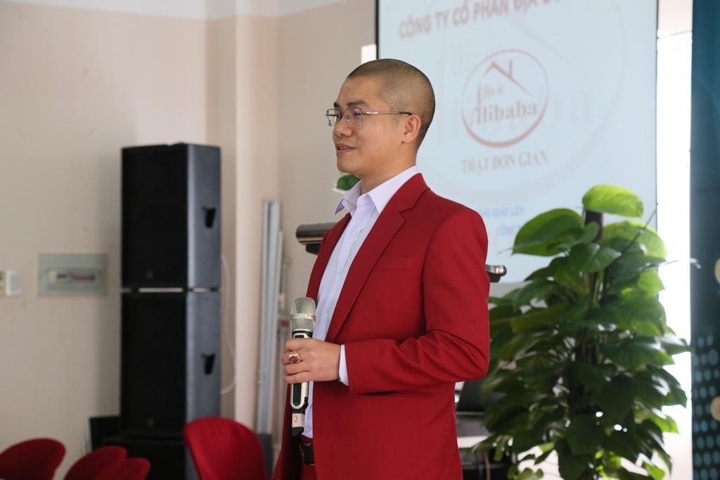 Dia oc Alibaba lieu linh choi 'van bai lat ngua' voi khach hang hinh anh 1