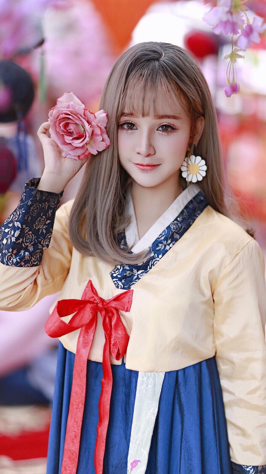 Hot girl cover Yen Tatoo: 'Kho xu khi duoc khen hat hay hon Chi Pu' hinh anh 5