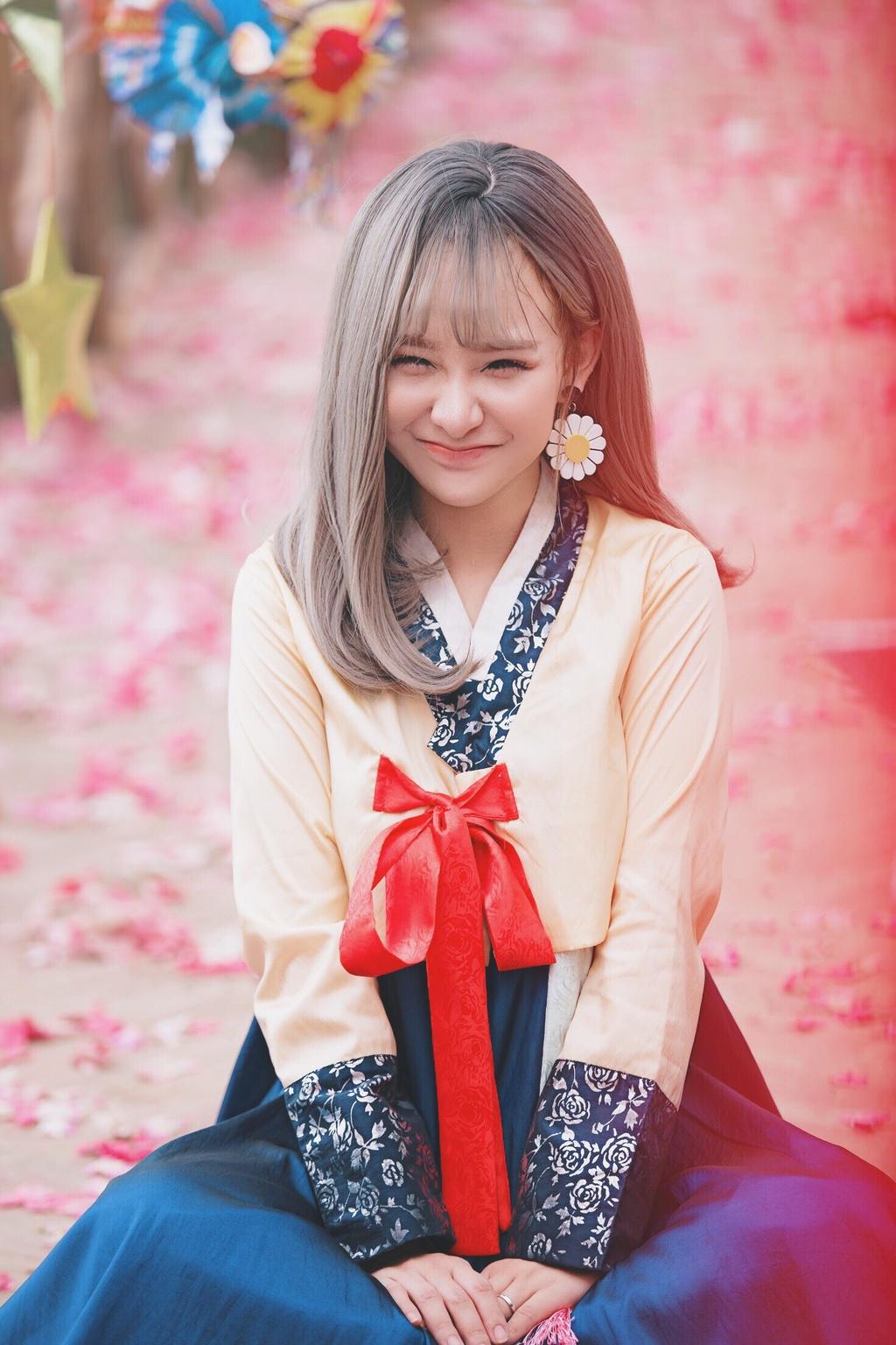 Hot girl cover Yen Tatoo: 'Kho xu khi duoc khen hat hay hon Chi Pu' hinh anh 6