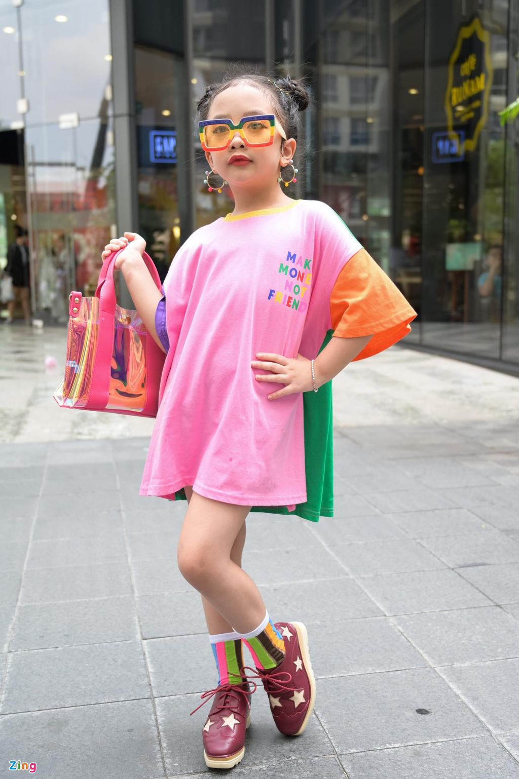 Street style VIFW 2019 ngay 3 va nhung nguoi mau nhi sanh dieu hinh anh 11