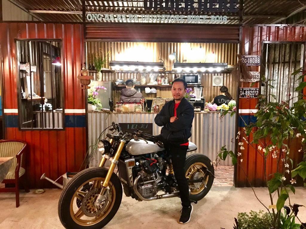 Rapper Dinh Tien Dat - tay choi xe co thuc thu tai VN hinh anh 1