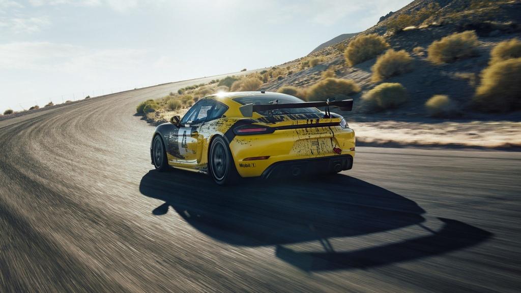 Porsche ra mat xe dua Cayman GT4 Clubsport anh 5