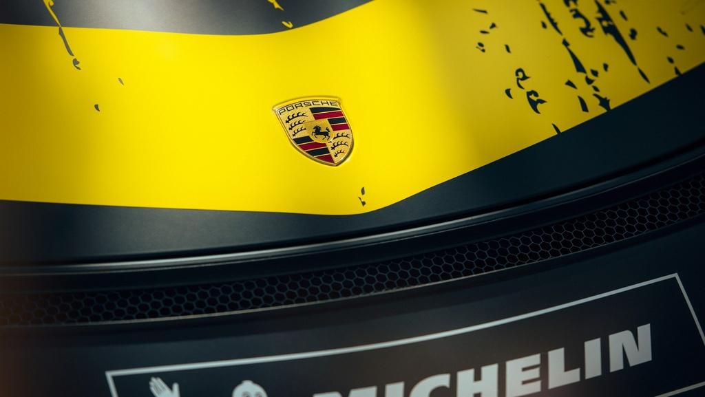 Porsche ra mat xe dua Cayman GT4 Clubsport anh 8