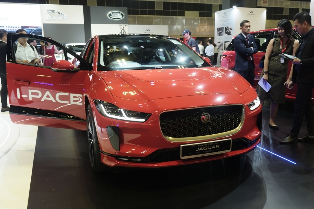Xe dien Jaguar I-Pace xuat tran tai Dong Nam A, gia 257.000 USD hinh anh 1