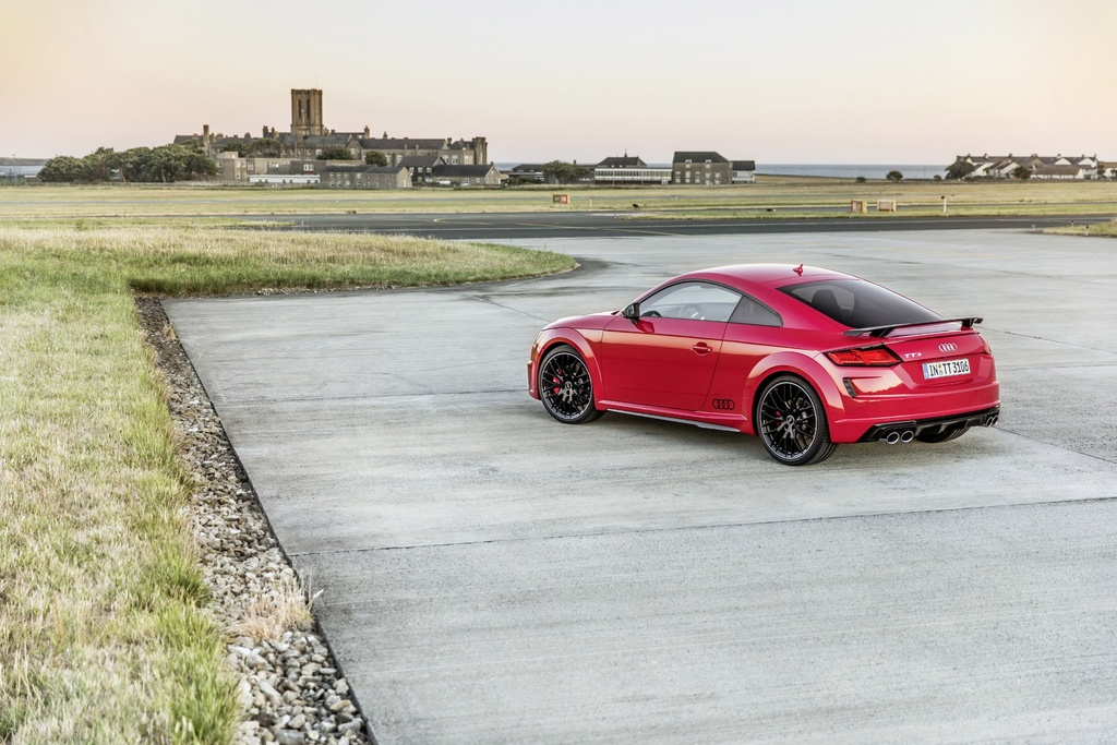 Audi TTS 2019 co them phien ban dac biet Competition hinh anh 2