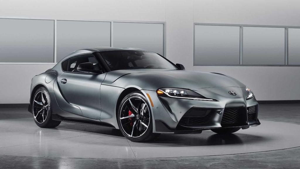 Toyota Supra 2020 dau tien co gia 2, 1 trieu USD anh 3