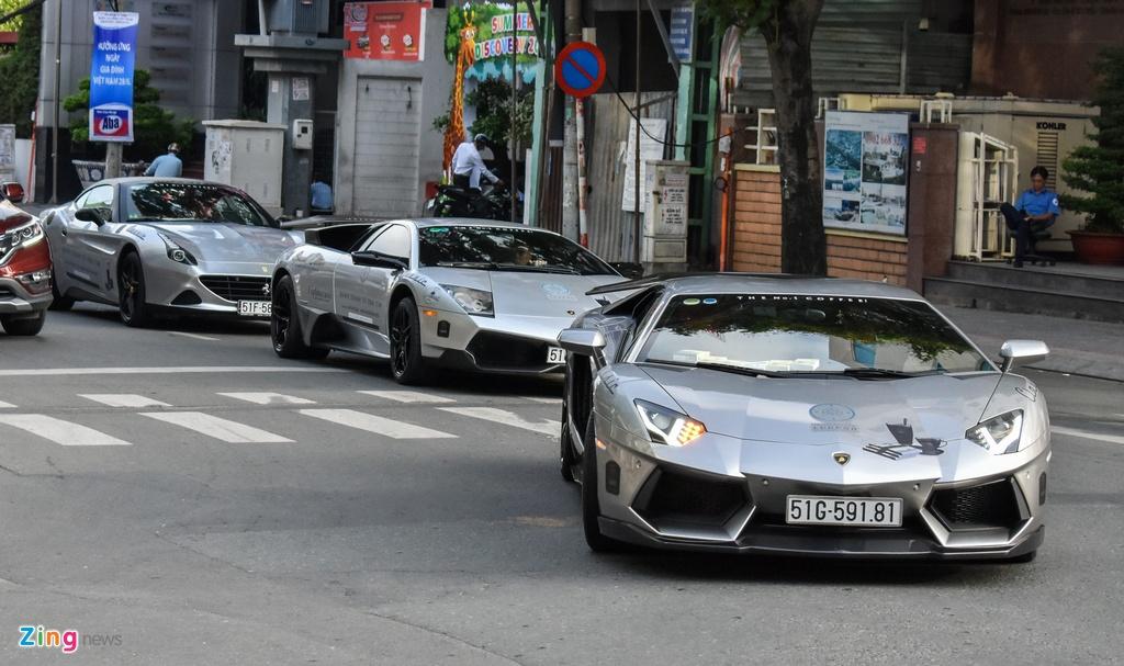 Tien nhieu, ong Dang Le Nguyen Vu sam nhung sieu xe gi? hinh anh 1