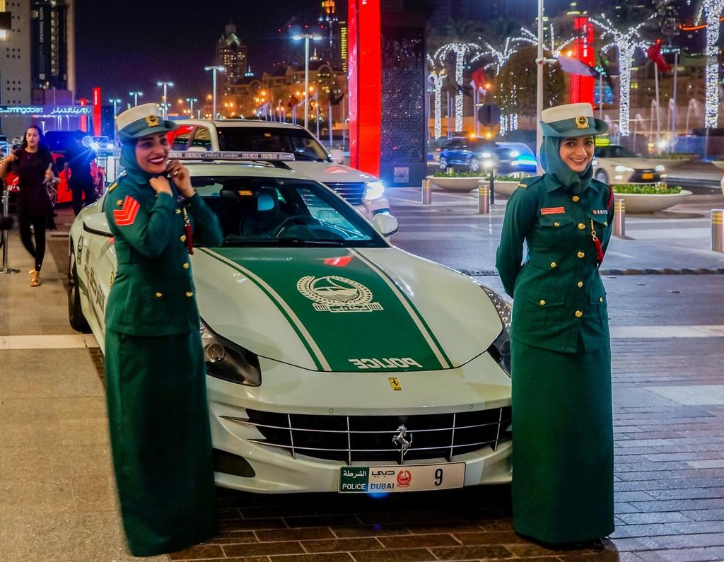 Nhung mau xe sang chanh nhat tai Dubai anh 1