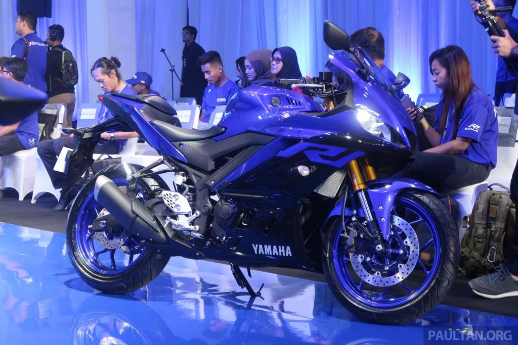 Yamaha R25 2019 ra mat tai Malaysia, hua hen ngay ve VN cua R3 hinh anh 5