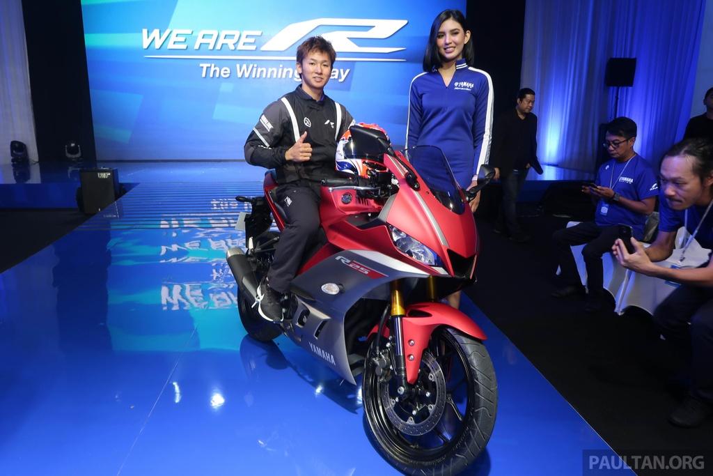 Yamaha R25 2019 ra mat tai Malaysia, hua hen ngay ve VN cua R3 hinh anh 2
