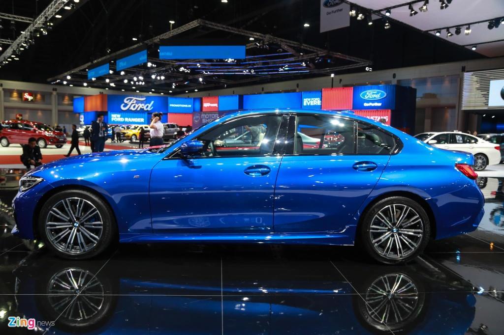 Chi tiet BMW 3-Series 2019 cho ngay ve VN, doi thu Mercedes C-Class hinh anh 3