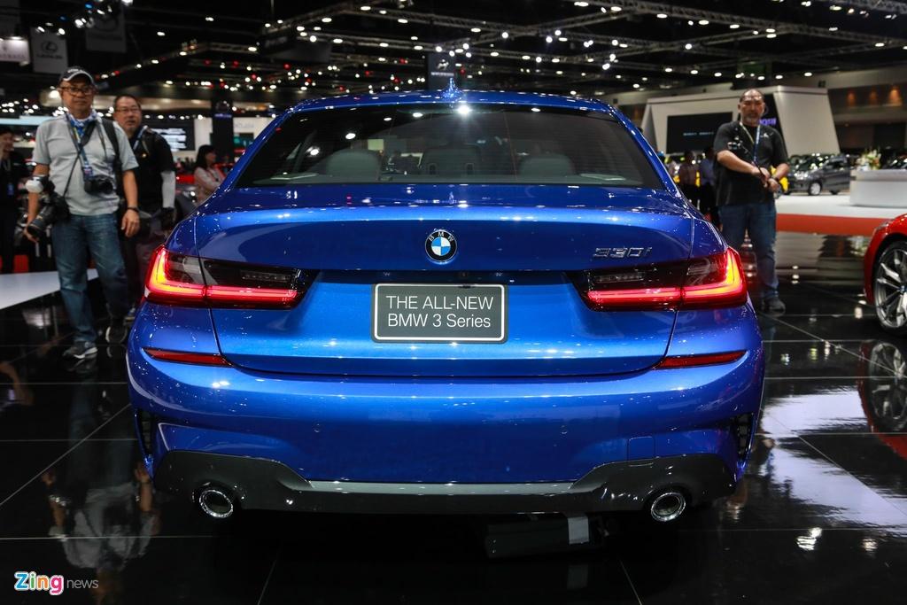 Chi tiet BMW 3-Series 2019 cho ngay ve VN, doi thu Mercedes C-Class hinh anh 9