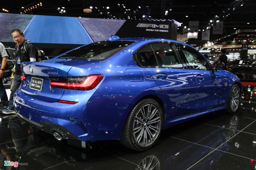 Chi tiet BMW 3-Series 2019 cho ngay ve VN, doi thu Mercedes C-Class hinh anh 2