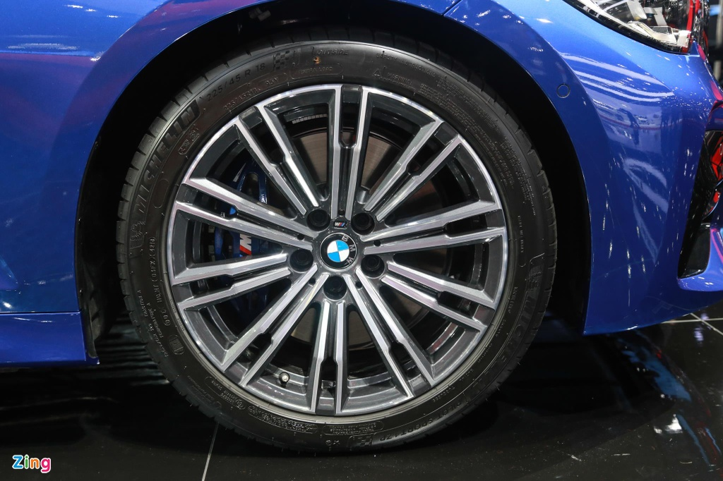 Chi tiet BMW 3-Series 2019 cho ngay ve VN, doi thu Mercedes C-Class hinh anh 10