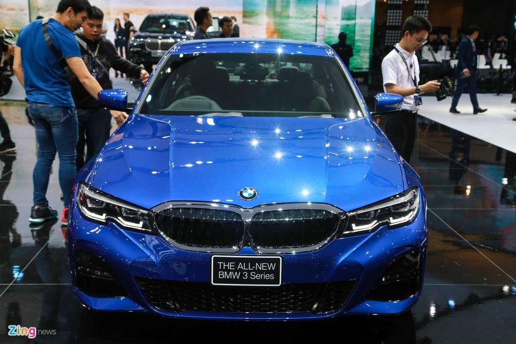 Chi tiet BMW 3-Series 2019 cho ngay ve VN, doi thu Mercedes C-Class hinh anh 4
