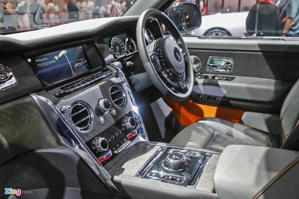 Rolls-Royce Cullinan ra mat anh 7