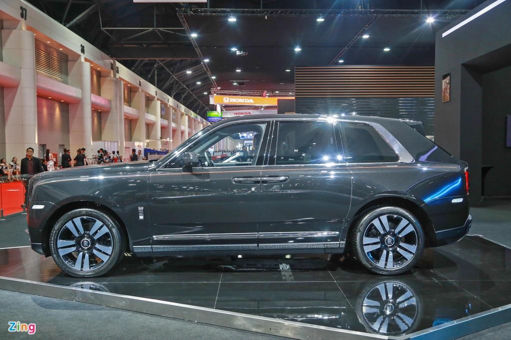 Rolls-Royce Cullinan ra mat anh 3