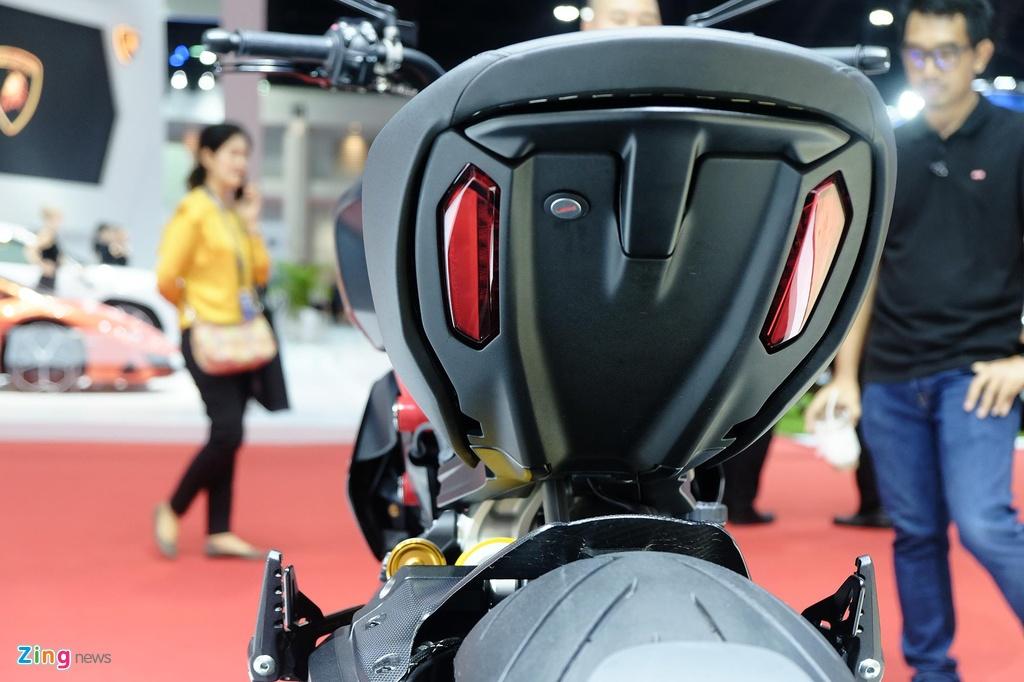 Ducati Diavel 1260 ra mat anh 4