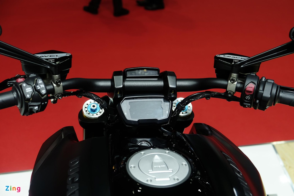Ducati Diavel 1260 ra mat anh 6