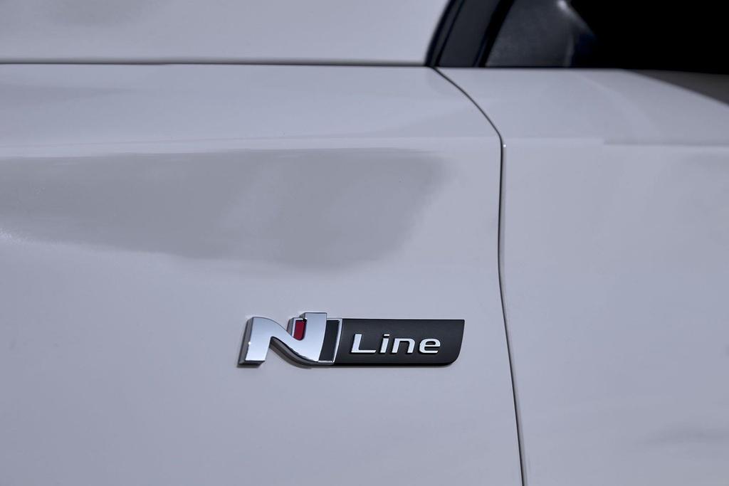 Hyundai i30 tung phien ban the thao N Line, gia tu 27.000 USD hinh anh 9