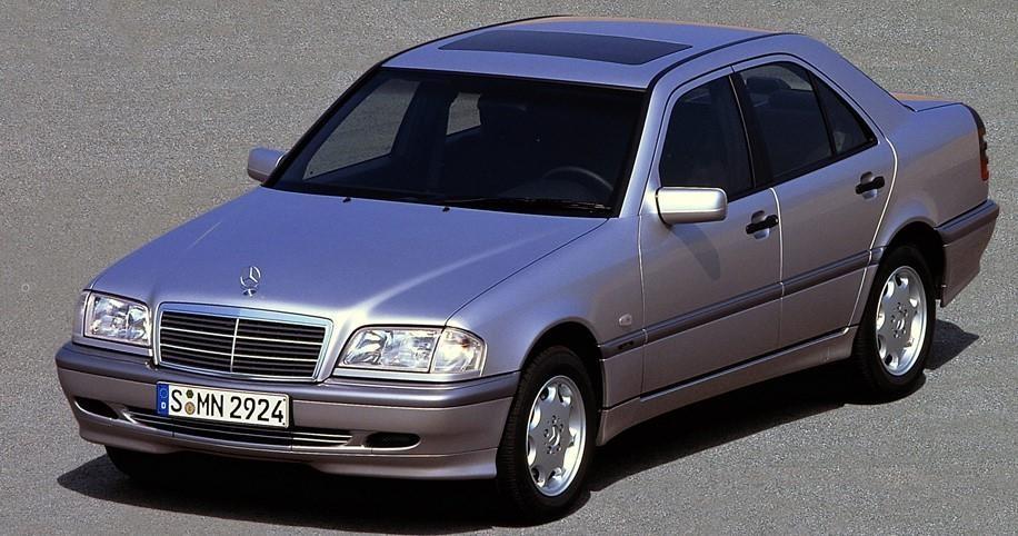 Khoi nguon Mercedes-Benz C-Class - sinh ra tu suc ep cua BMW hinh anh 3