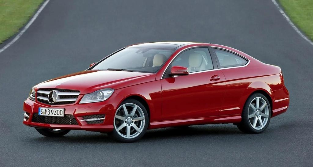Khoi nguon Mercedes-Benz C-Class - sinh ra tu suc ep cua BMW hinh anh 11