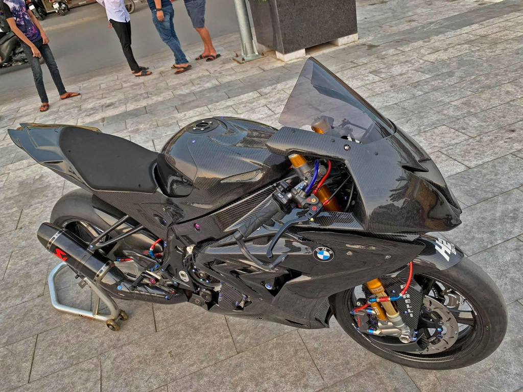 'Ca map' BMW S1000RR voi goi do hon 2 ty cua biker mien Tay hinh anh 11