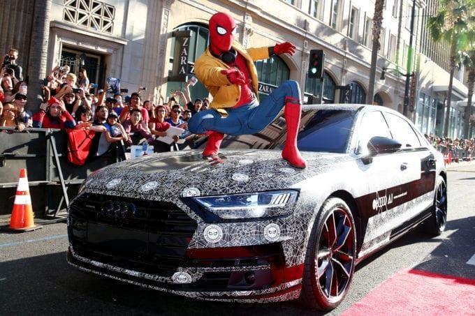 Nhung sieu xe da xuat hien ben canh Avengers anh 11