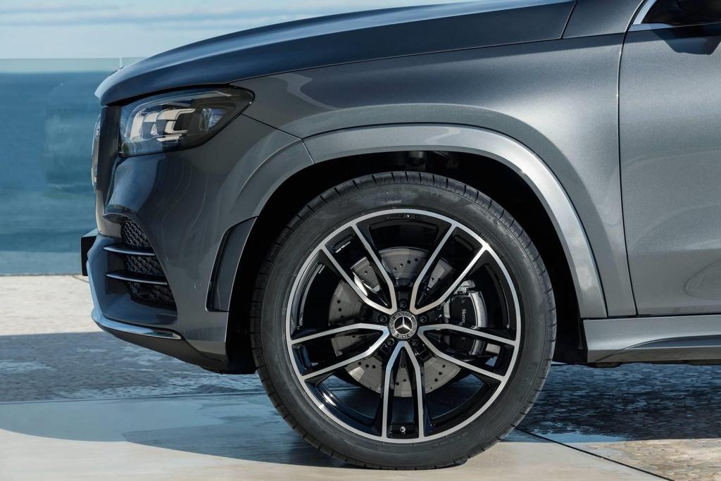 Mercedes-Benz GLS 2020 ra mat, loi dap tra cho BMW X7 hinh anh 7