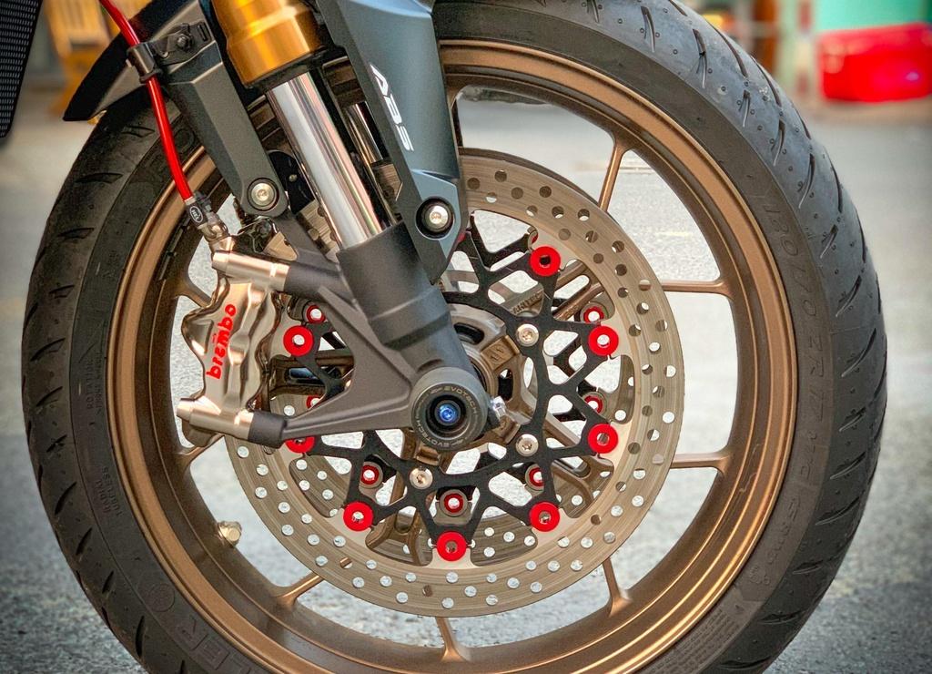 Ve VN chua lau, Honda CB650R da co ban do hang hieu ton tram trieu hinh anh 5