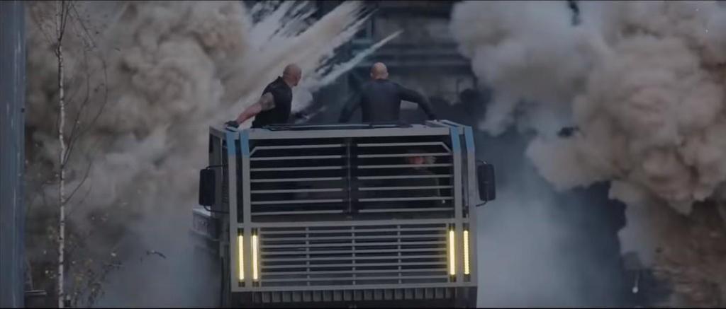 Dan xe xuat hien trong ''Fast & Furious'' anh 4