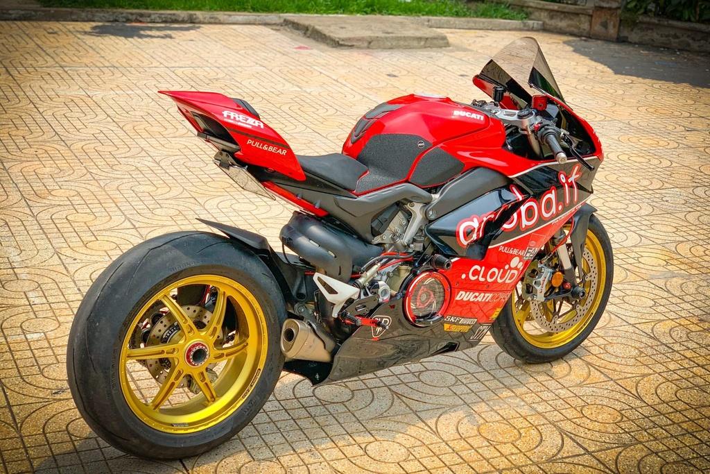 Ducati Panigale V4 do anh 11