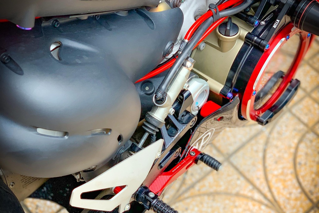 Ducati Panigale V4 do anh 10