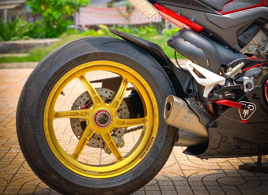 Ducati Panigale V4 do anh 9