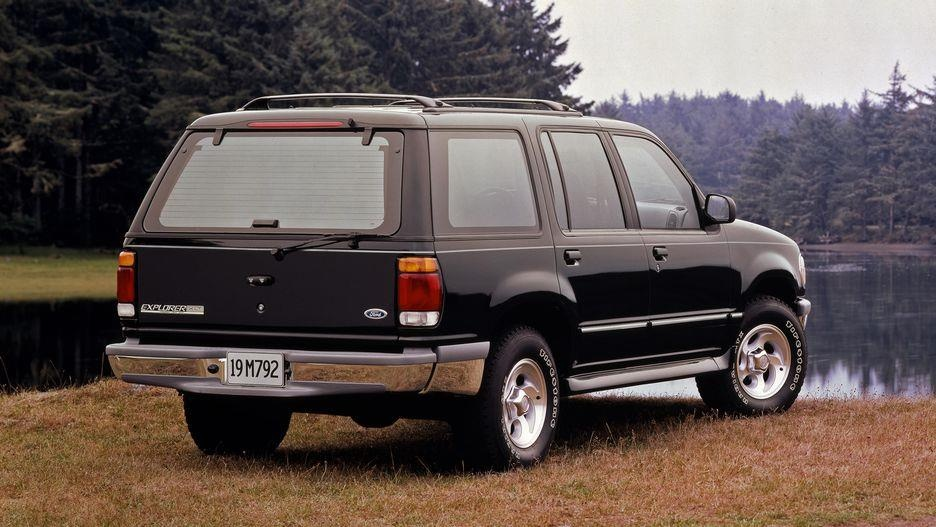 Ford Explorer da thay doi nhu the nao sau 28 nam ton tai? hinh anh 6