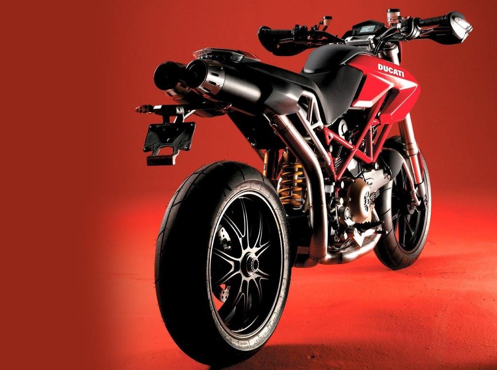 Hypermotard - tu su nghi ngo den dong xe ban chay nhat cua Ducati hinh anh 2
