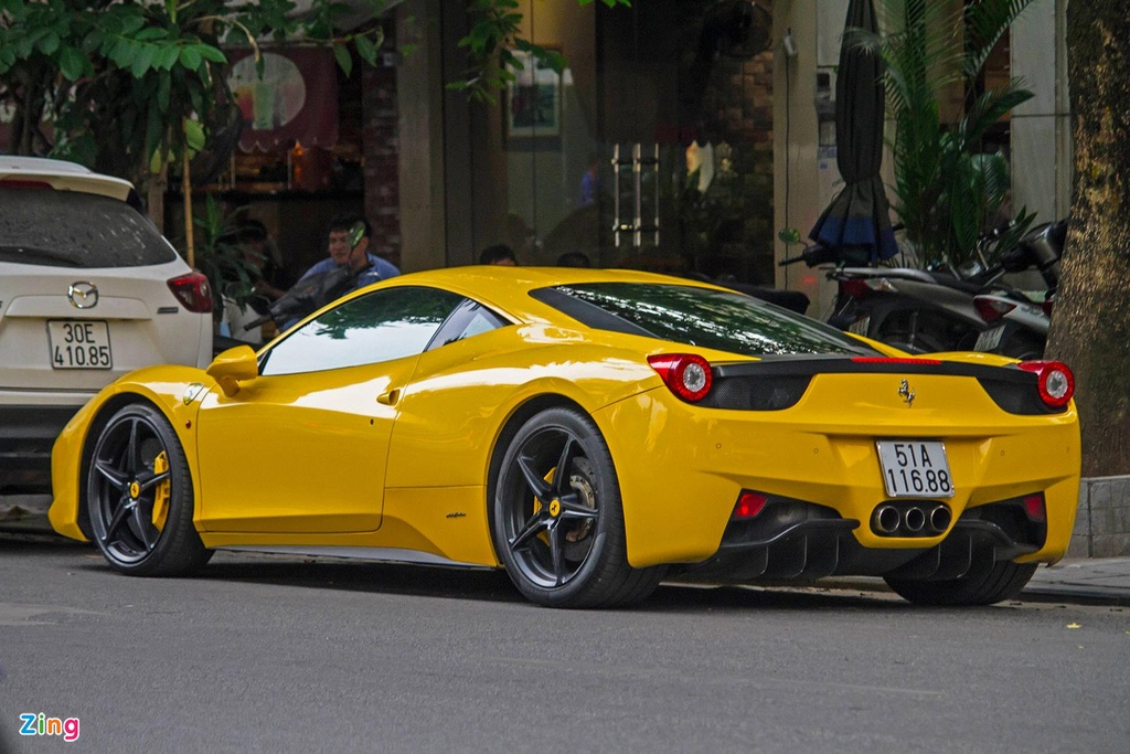 Sieu xe Ferrari 458 Italia tai xuat anh 3
