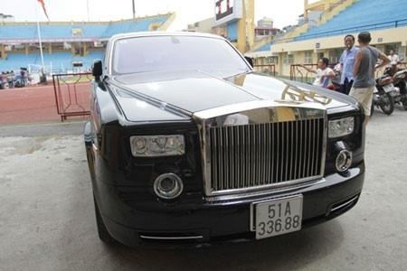 Rolls-Royce cua Le Thanh Than anh 2