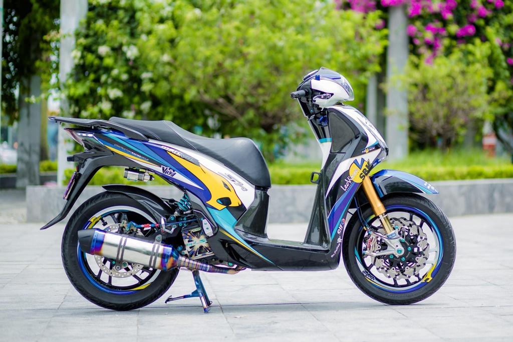 Honda SH 150i voi loat trang bi tri gia nua ty dong cua biker Ha Noi hinh anh 2