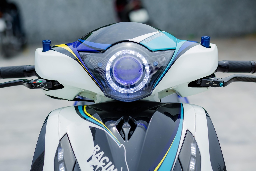 Honda SH 150i voi loat trang bi tri gia nua ty dong cua biker Ha Noi hinh anh 6