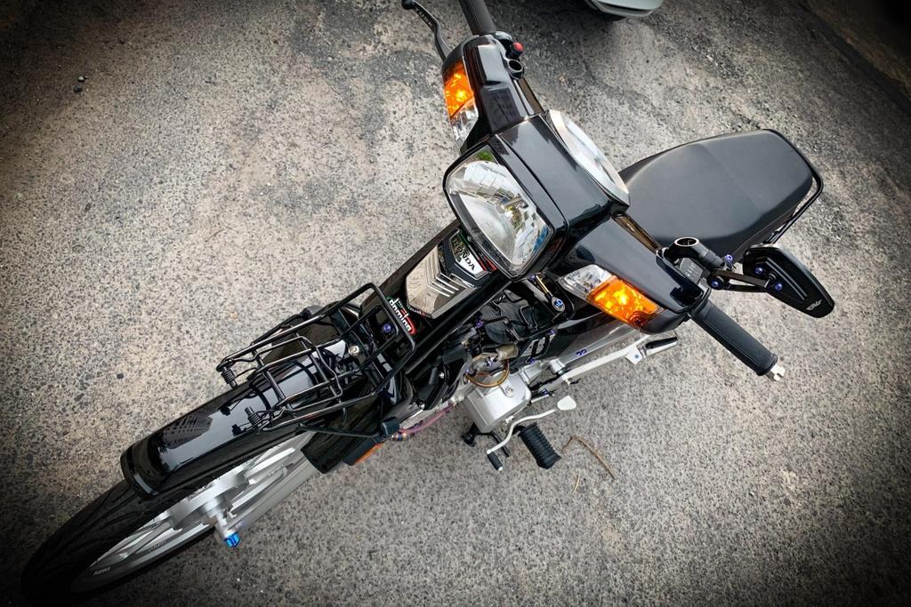 'Huyen thoai' Honda Dream voi dan phu kien 200 trieu hinh anh 2