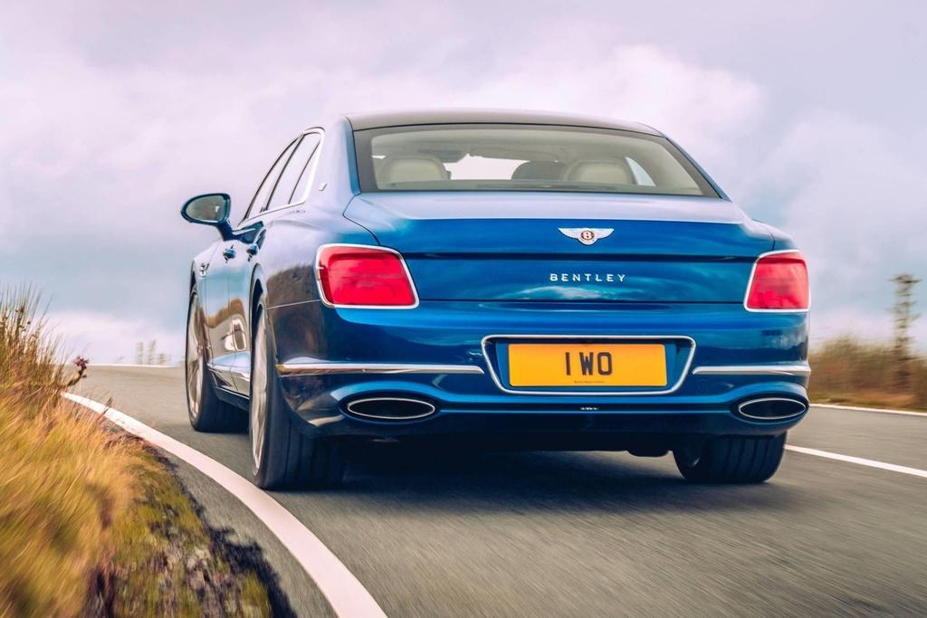 Ban gioi han Bentley Flying Spur First Edition 2020 co gi dac biet? hinh anh 2