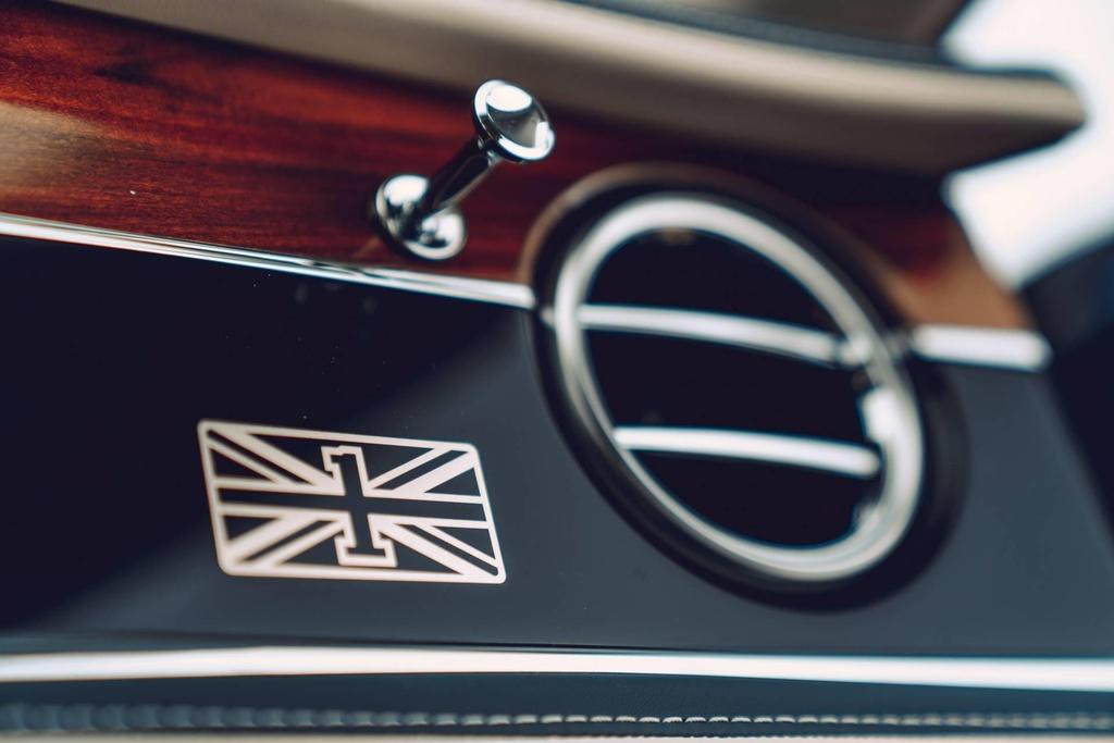 Ban gioi han Bentley Flying Spur First Edition 2020 co gi dac biet? hinh anh 6