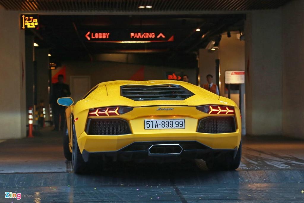 Lamborghini Aventador dau tien VN tai xuat o dam cuoi Cuong Do La hinh anh 6