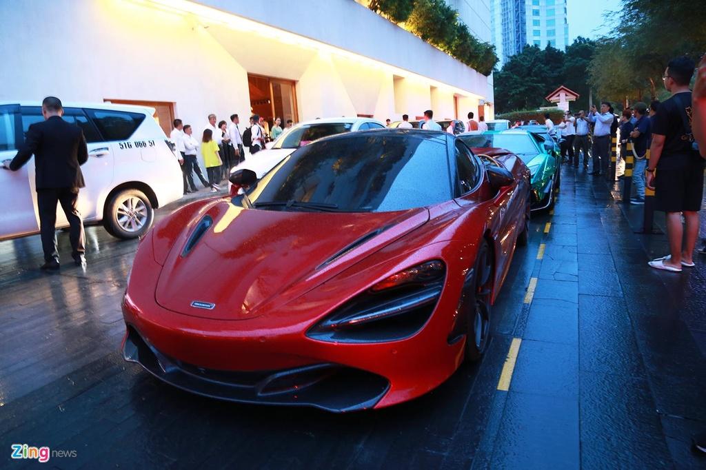 Truong doan Car Passion lai McLaren 720S toi dam cuoi Cuong Do La hinh anh 3