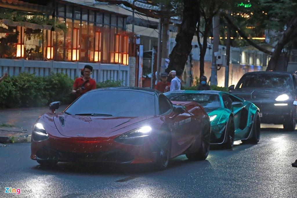 Truong doan Car Passion lai McLaren 720S toi dam cuoi Cuong Do La hinh anh 8