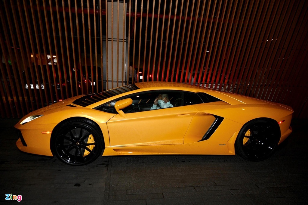 Lamborghini Aventador dau tien VN tai xuat o dam cuoi Cuong Do La hinh anh 5