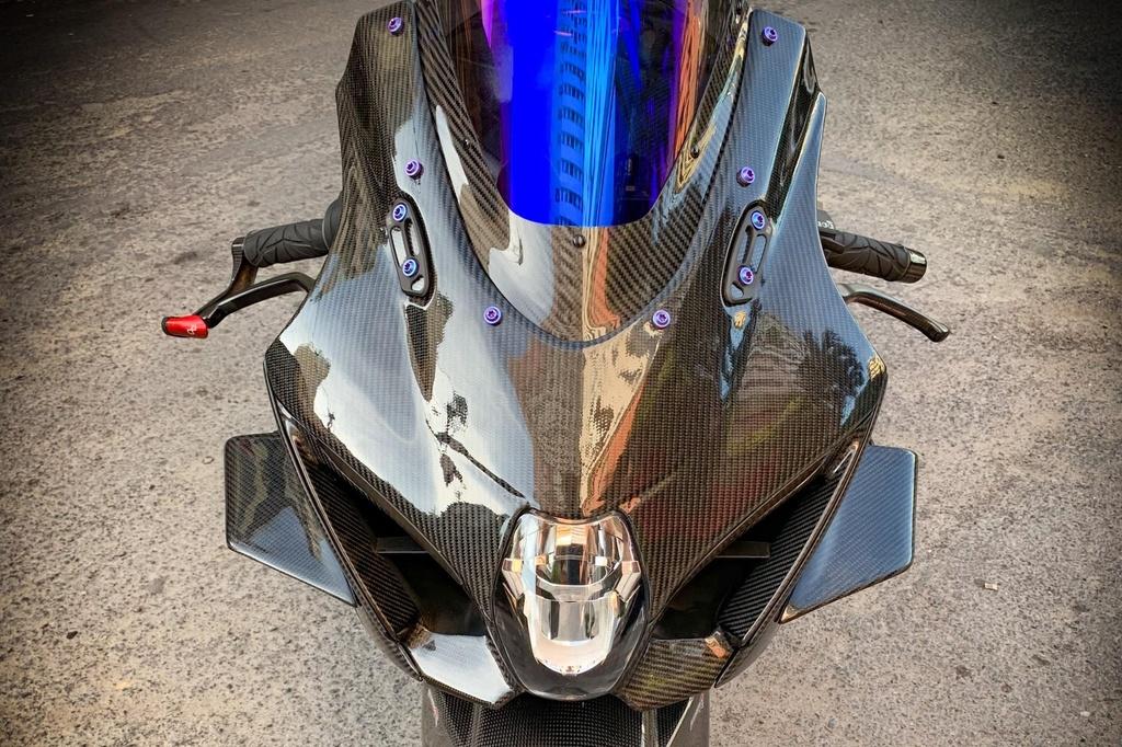 Suzuki GSX-R1000 do dan ao carbon ton nua ty dong cua biker Sai Gon hinh anh 5