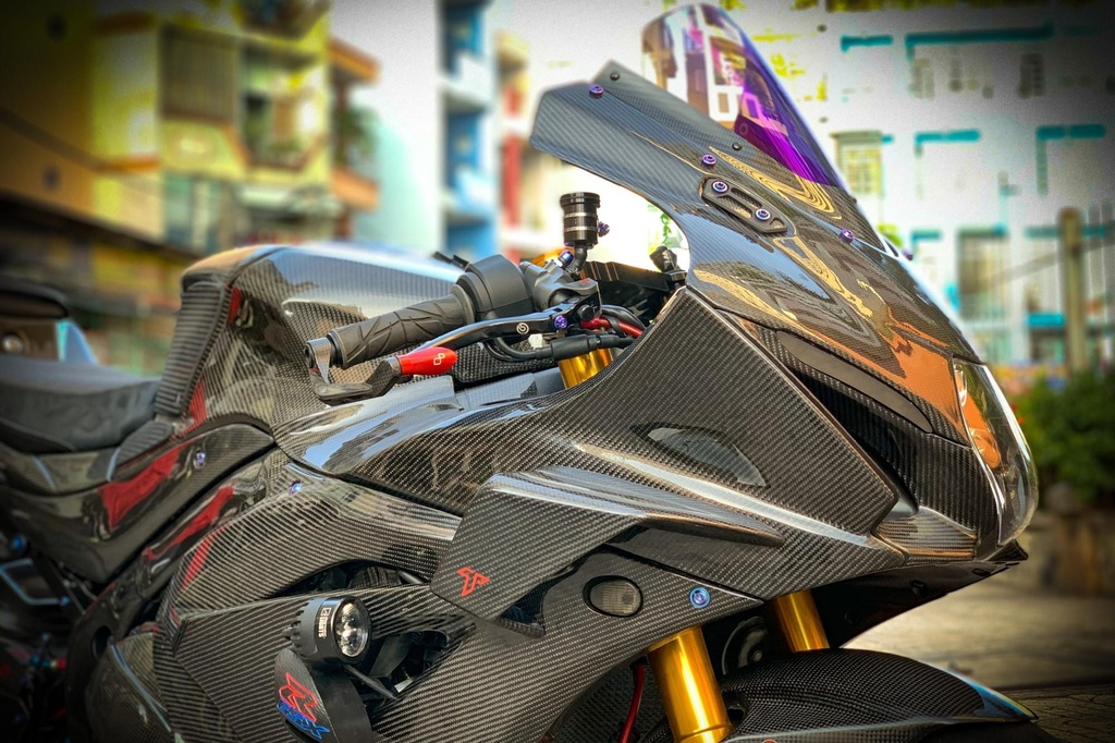 Suzuki GSX-R1000 do dan ao carbon ton nua ty dong cua biker Sai Gon hinh anh 4