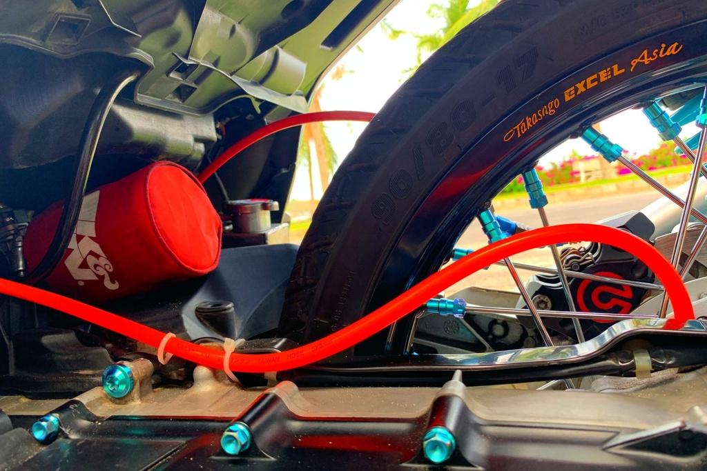 Honda SH 150i voi goi do 300 trieu cua sinh vien Nha Trang hinh anh 16
